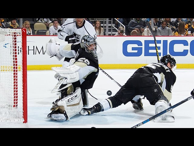 Fleury stretches for acrobatic right pad save