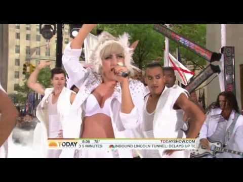 Lady GaGa - Bad Romance Live @ Today Show HD