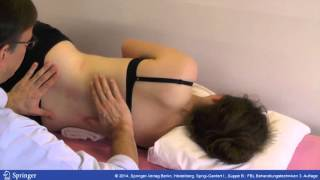 Mobilisierende Massage der Muskulatur lumbal paravertebral