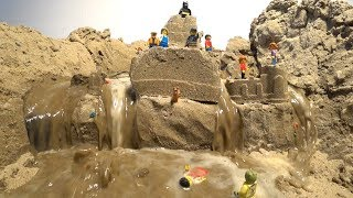 LEGO Dam Breach - LEGO Minifigures and Sand Castle in Danger!
