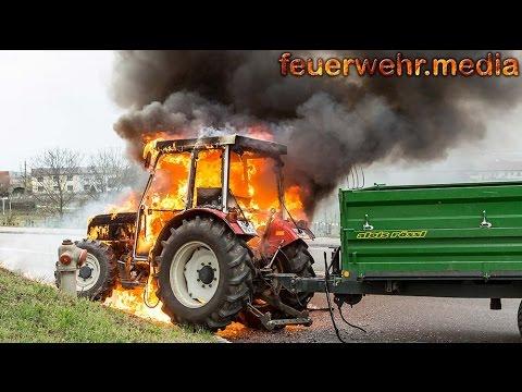 Geliebte Traktor gerät während der Fahrt in Brand - YouTube #SL_23