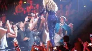 Video Beyonce Fan in Nashville Gets the Holy Ghost! Irreplaceable -ORIGINAL VIDEO download MP3, 3GP, MP4, WEBM, AVI, FLV Mei 2018