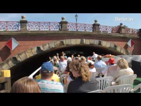 Auf der Spree durch Berlin/Boat trip trough Berlin