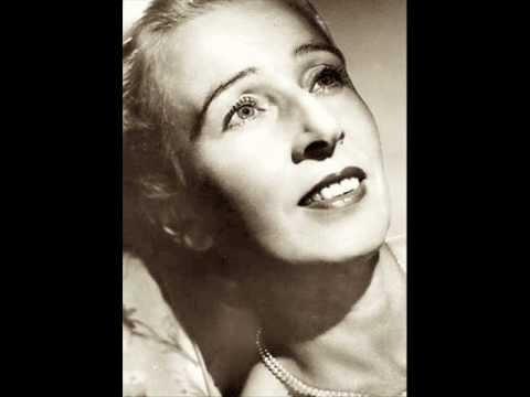 Suzanne Danco sings