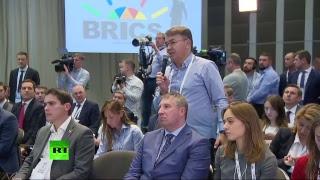 Путин проводит пресс-конференцию по результатам работы саммита БРИКС