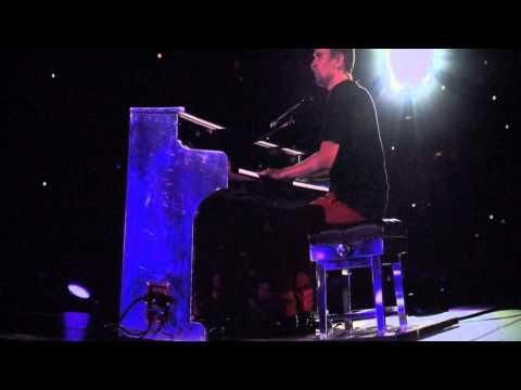 """Muse -  Explorers - Word Premiere """"Live at Rome Olympic Stadium"""" - La géode - Paris"""