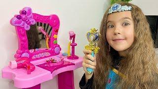 История про Машу и Маму и новые игрушки для принцесс.