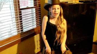 Sara Mae singing Big Green Tractor(  in )Alvin and the Chipmunks  Version.