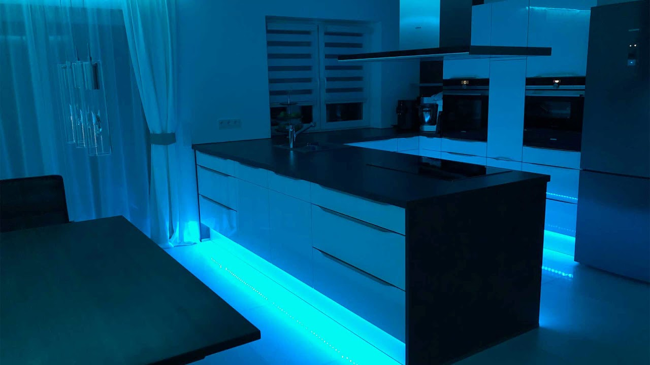 LED Fliesen Abschlussprofil MOLA MO für individuelle