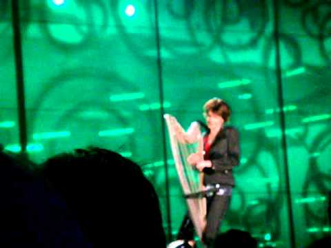 Catrin Finch playing the electric harp