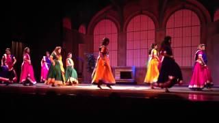 Chalka Chalka dance performance