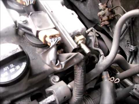 Replace PCV Valve of Toyota Corolla Car