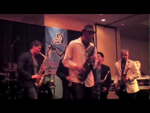 Pick Up The Pieces - Warren Hill (Smooth Jazz Family)