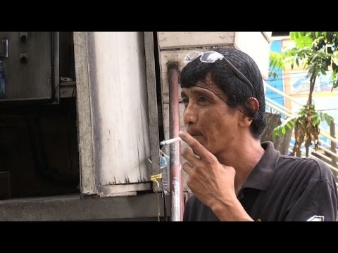 Philippines to ban smoking in public