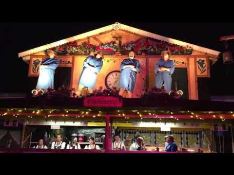 Das Glockenspiel At 2015 Tulsa Oktoberfest