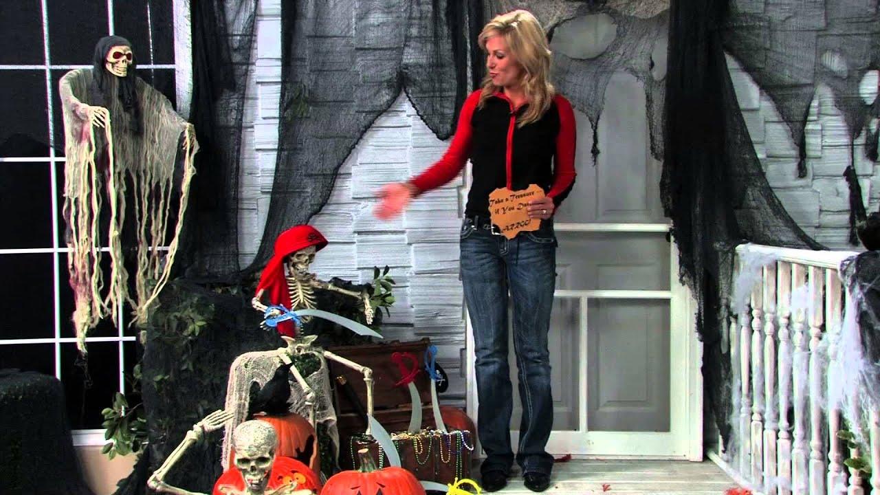 Top tips for outdoor halloween decorations from oriental for Halloween decorations home depot