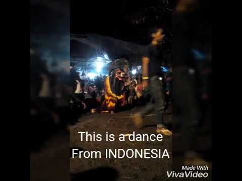 Taraditional dance from indonesia. Tari singo barong.  Wonderful indonesia.  Klepon