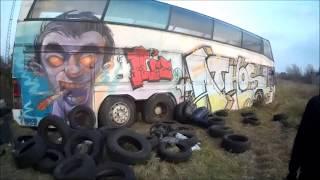 Neoplan Turistabusz + Egy Nagyon öreg Tehervagon :d
