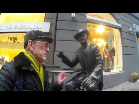 Rich Ukrainians Enjoy Passazh Shopping, in Kyiv, Ukraine (ENGLISH)