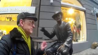 Rich Ukrainians Enjoy Passazh Shopping, in Kyiv, Ukraine (ENGLISH)
