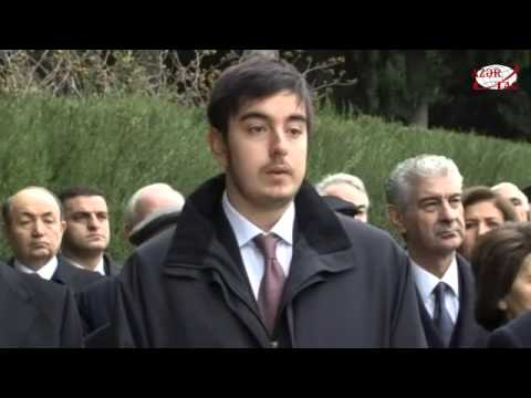 Президент Азербайджана Ильхам Алиев посетил могилу общенационального лидера Гейдара Алиева