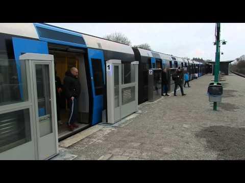 Stockholm - Platform Screen door  at Åkeshov station Stockholm tunnelbana 2015 02 28