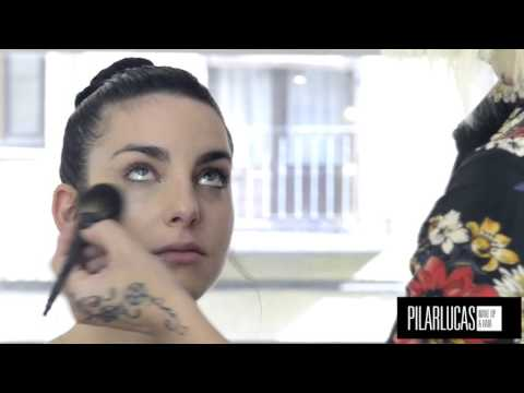 aprende a aplicar la tecnica strobing para dar luz a tu maquillaje
