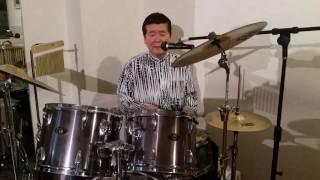 西武池袋線、石神井公園駅歩二分『ニューハピネス』は、生バンドにカラ...