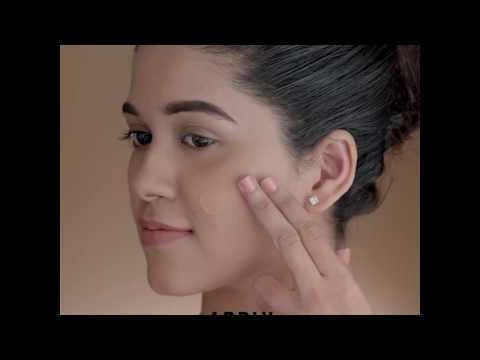 Lakmé 9to5 Weightless Mousse Foundation - How to Use