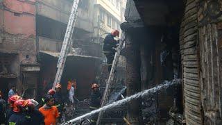 Al menos 70 personas muertas tras incendio en la capital de Bangladesh