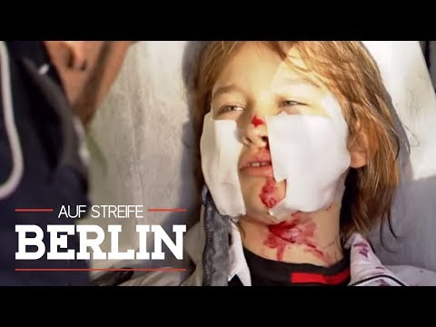 Armer Timo! Gesicht mit Glasscherben zerschnitten! | Auf Streife - Berlin | SAT.1 TV