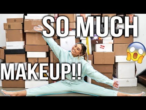 HUGE HUGE HUGE PR UNBOXING HAUL | New Makeup March 2019 | Roxette Arisa Unboxing