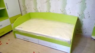 видео Подростковая кровать с выдвижными ящиками на заказ.