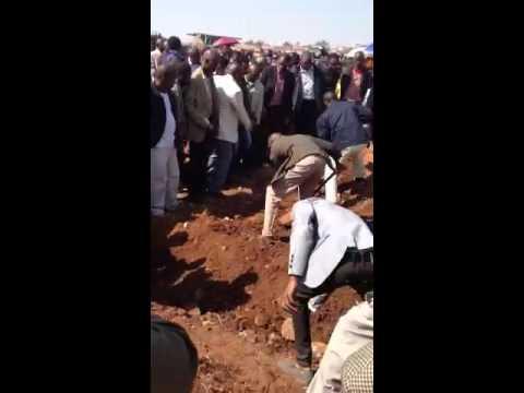 Lonmin - funeral in Marikana