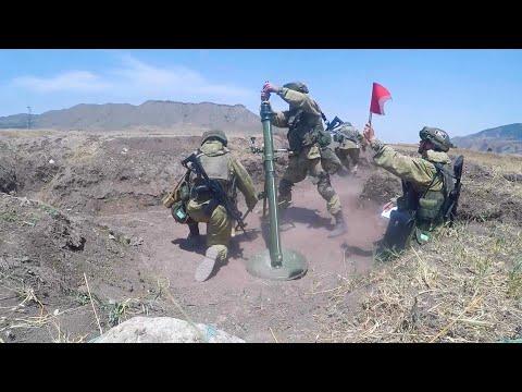 Занятия по боевой подготовке российских миротворцев в Нагорном Карабахе