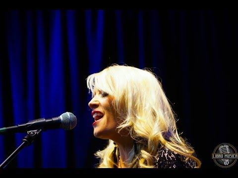 Libro Musica Live! Angela Reign