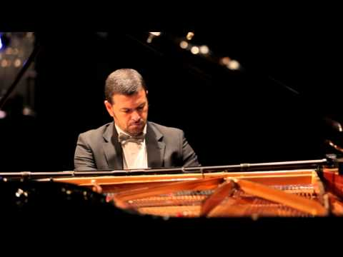 Elisha Abas in a live performance of Chopin's Mazurka Op.7, No. 3