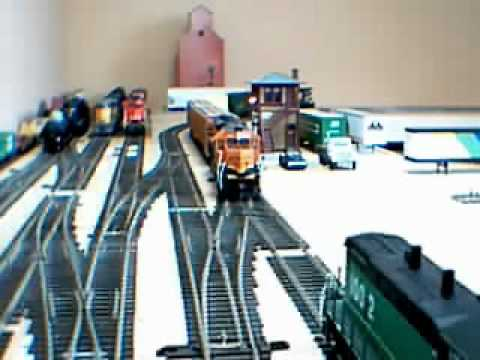 HO scale Video #128 Test run(1) of new Track plan V214.wmv