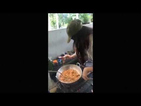 Manvitha Harish Cooking Chicken At Tagaru Movie Sets  | Dr Shivarajkumar |  Manvitha Harish ,Suri