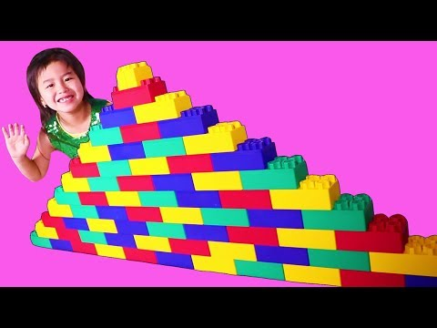 Jannie Build and Play with Giant Block Pyramid Toys