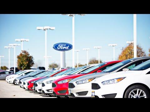 Jim Cramer: Ford CEO Mark Fields Is Under Pressure