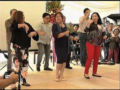 WATCH: De Lima dances 'Macarena'