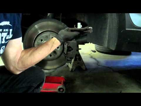 Bmw E60 530d Front Brake Pads Change Doovi