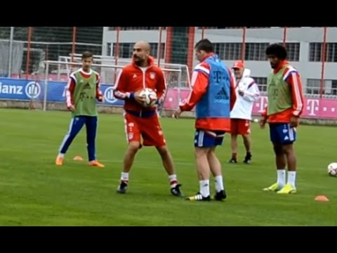 Funny motivated Pep Guardiola joining 8 vs 2 circle - FC Bayern Munich