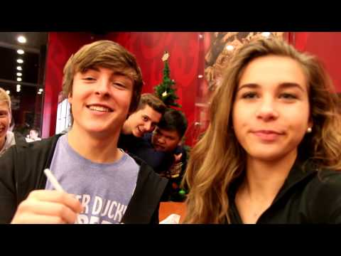 OUR FIRST VLOGMAS!