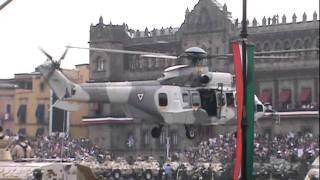 2 Cougar Fuerza Aerea Mexicana sobre plancha del zocalo Desfile 2011
