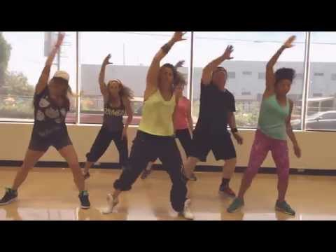 "Selena Gomez ""Slow Down"" Zumba Choreography By Cassie (Warm up)"