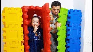 Öykü and Dad Funny and Colored Hide and Seek - Oyuncak Avı