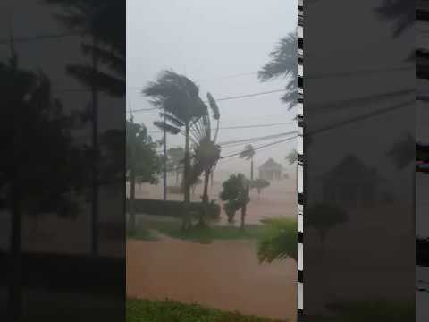 Hurricane Maria lashes Samaná in the Dominican Republic on YouTube