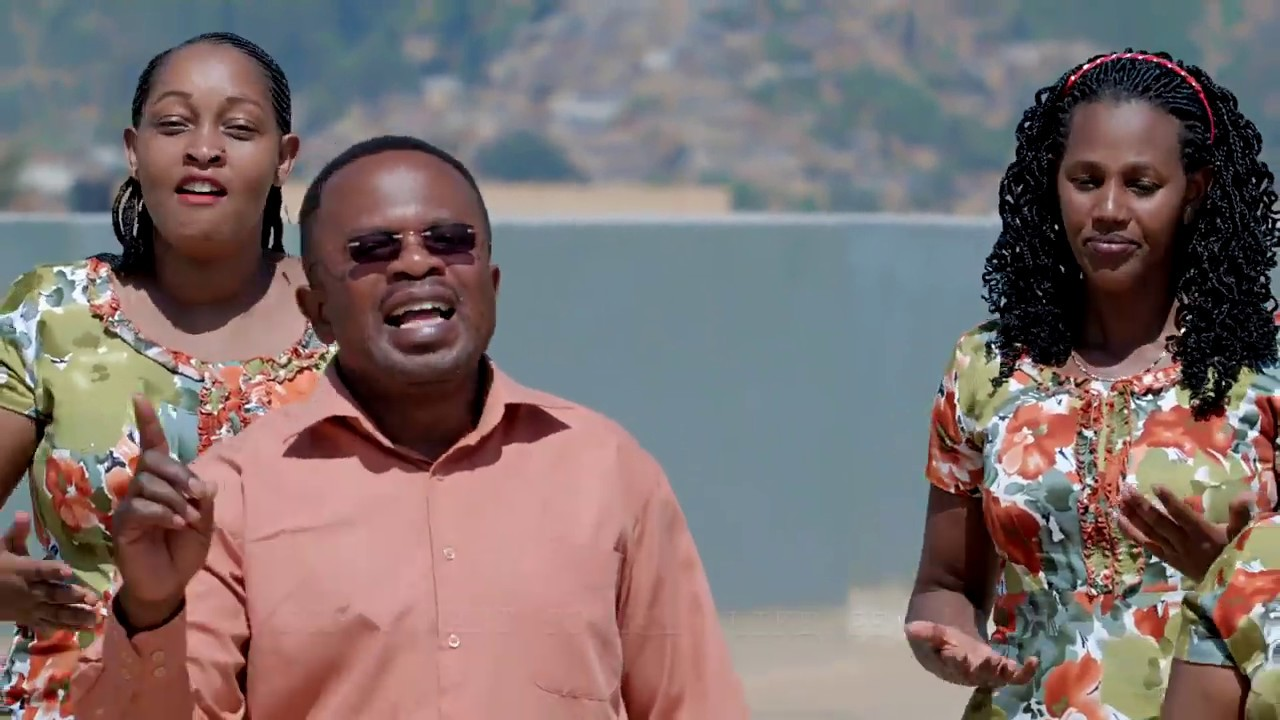 Download Humura Amaso By Gospel Moving Choir (Official Video 2018)